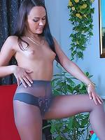 Paula naughty pantyhose stunner