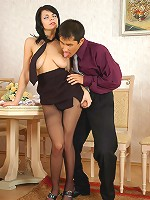 Gertie&Nathan nasty office pantyhosers