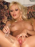 Jana Cova Rips off Her Pantyhose