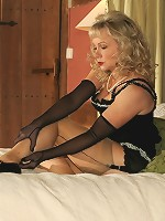 Horny milf plays with nylons